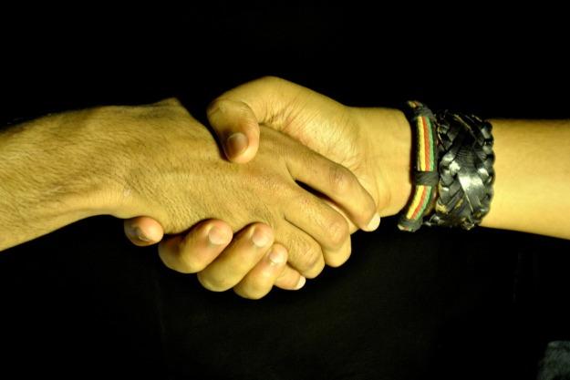 handshake-390591_1280